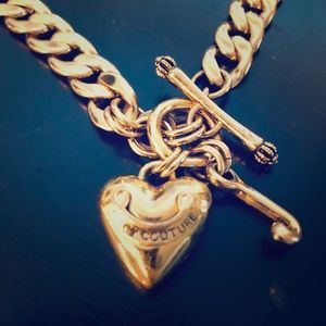 JUICY COUTURE GOLD CHARM NECKLACE 💛